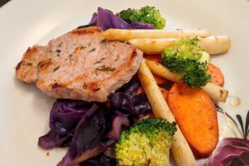 Cotlet de porc cu legume, nutritionist Roxana Ciocaltea, Nutritie cu Roxi